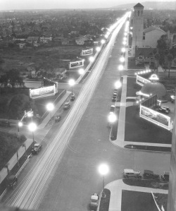 View of Wilshire Blvd, looking West, Original Brown Derby (right) Photo Credit: USC Digital Library